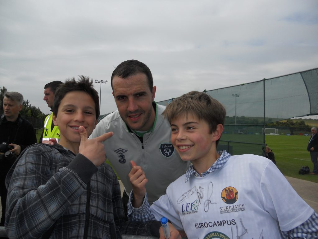 LFI pupils with John O'Shea